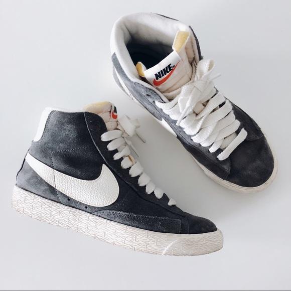 Nike Vintage Blazer Mid Suede Sneakers Size 5